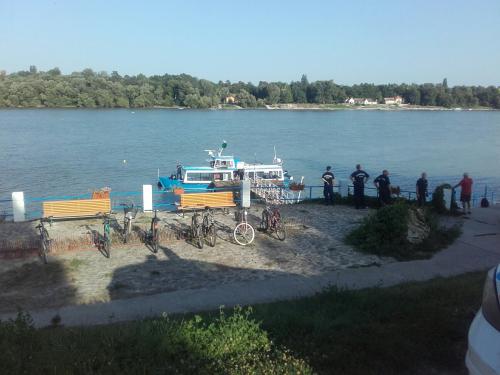 Dunába fulladt egy fiatal férfi Szigetmonostornál
