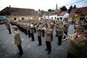 Hatalmas sikerrel koncerteztek a katonazenészek