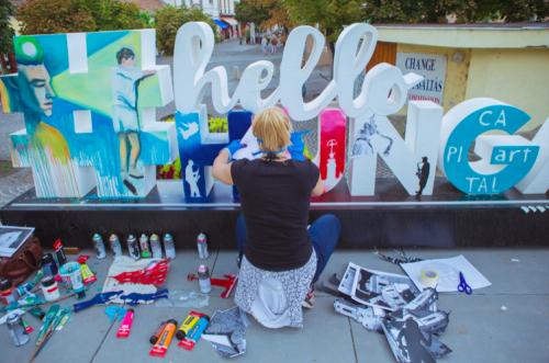 Művészi alkotásokká válnak a #HelloHungary feliratok
