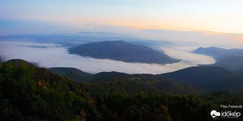 Misztikus ködfolyam a Dunakanyarban