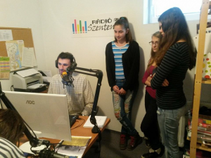 Diákok a Rádió Szentendre stúdiójában!