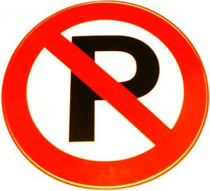 Ne parkoljunk az erdészeti utakat lezáró sorompók elé!