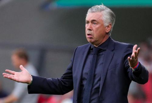 Kikapott a Bayern, Ancelottit menesztették