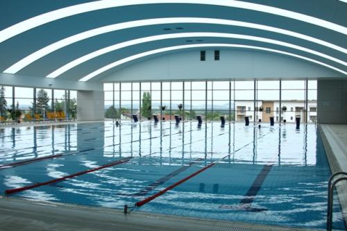 Lezárják a V8 33 m-es medencéjét a hétvégén